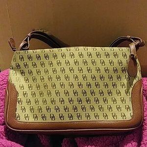 New Dooney Bourke Handbag purse